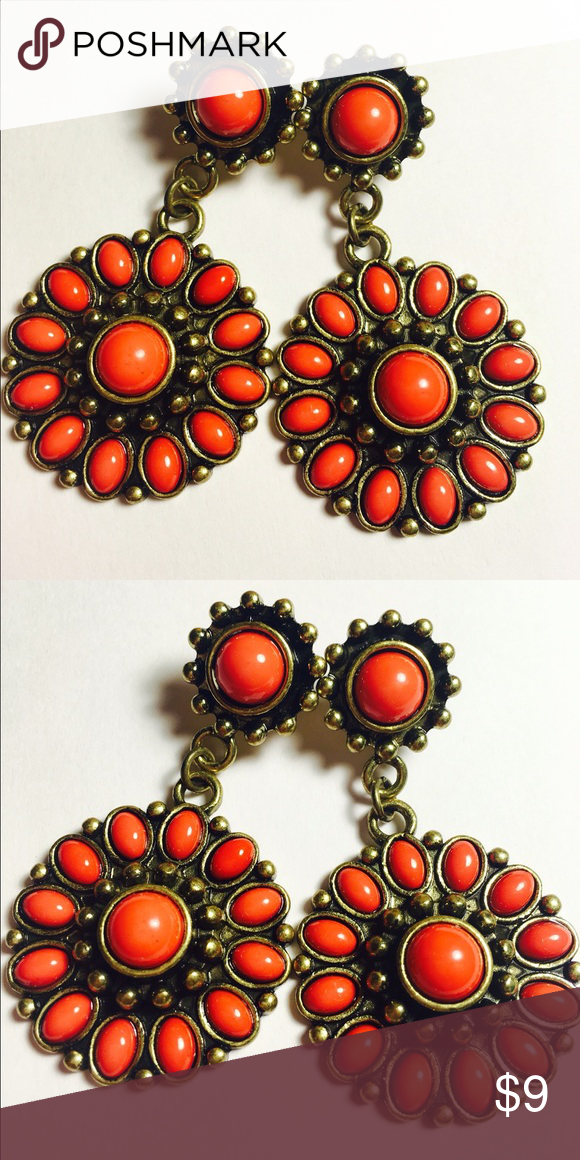 Gorgeous Statement Earrings in Gold and Coral This beautiful pair of coral earrings will make any outfit stand out. Black Dress, White Blouse, you name it. You'll be the center of attention! ‼️ MORE GORGEOUS EARRINGS COMING SOON. ‼️ Charlotte Russe Jewelry Earrings