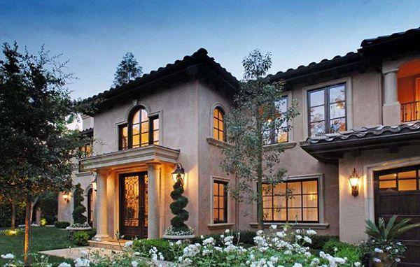 Kim Kardashian S House Love The Tuscan Style Spiral Topiaries