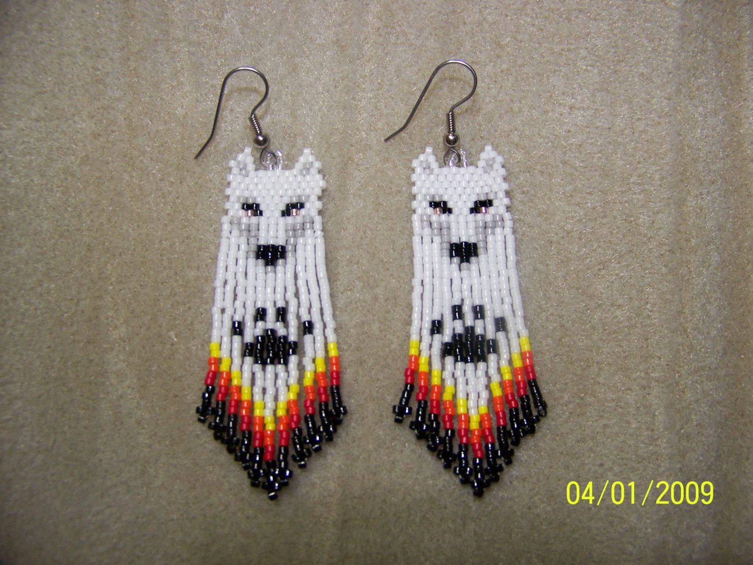 Native Bead Work Free Patterns Hand Seed Bead White Wolf