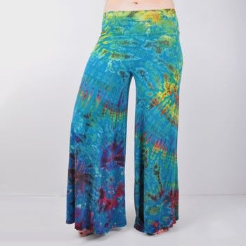 """The coolest pants ever! Mudmee Tie Dye Yoga Pants $36 -haha too much $ for something so easily made. rly love these! fits great with my """"wanna be"""" hippy style"""