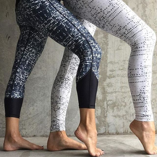 Ready to hit the barre in our Rainfall Navy and White, which is your favourite? Repost @motion.lifestyle. Click the link in profile to shop. #vieactive #barre #workout