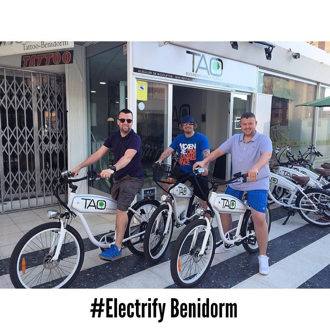 New costumers from #Scotland enjoying our #taobikes in #Benidorm ready to discover the #fiestasbenidorm #taobike