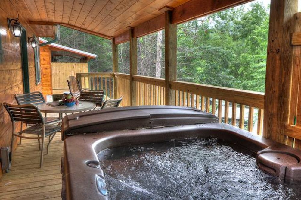 4 Of Our Best 1 Bedroom Cabins In Gatlinburg For Your Romantic Getaway Romantic Cabin Getaway Gatlinburg Cabins Getaway Cabins