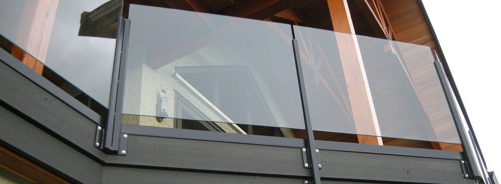 Fixing glass balustrade to an internal balcony wall for Exterior glass railing