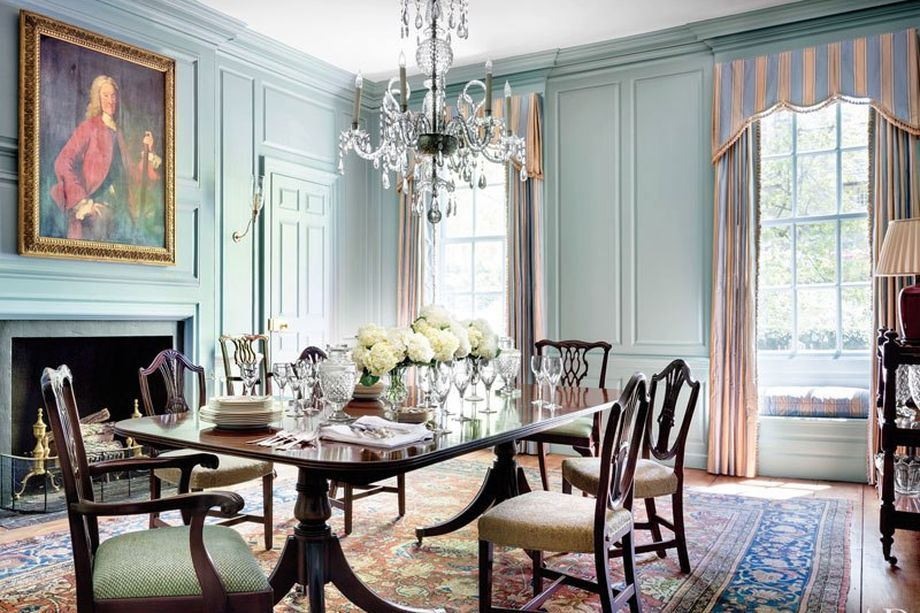 Traditional Without Feeling Austere And Livable Without Trampling Muddy Boots Over The Estate S History D C S Oldest House Gets Maison Salle A Manger Table