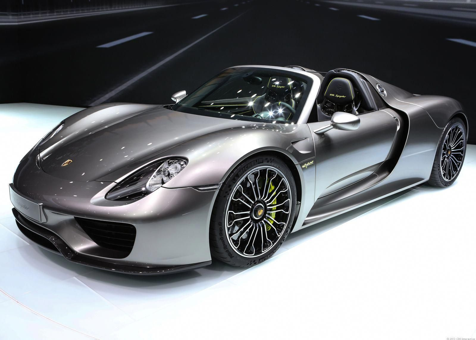 2014 Porsche 918 Spyder Cost 845 000 0 To 60 Mph In 3 1 Seconds Top Speed Of 199 Mph Nurburgring Lap Time Of 7 Minute Expensive Cars Porsche 918 Super Cars