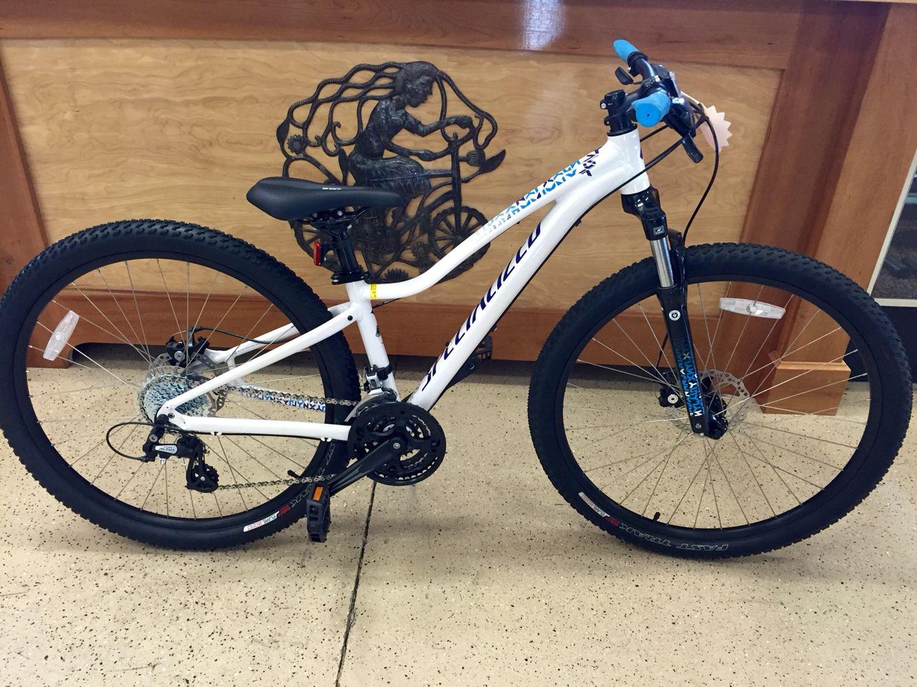2014 Specialized Jynx 650b. Was 560. Now 440. Bikes