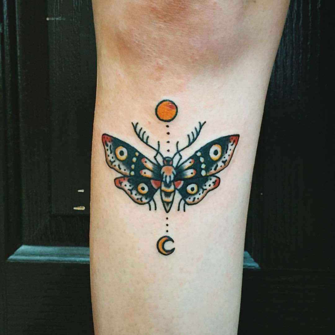 Body Art Below The Knee: A Little Moth Under The Knee For Britt Today, Thank You