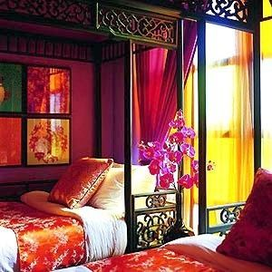 love the mix of colors with chinese beds!!!!!