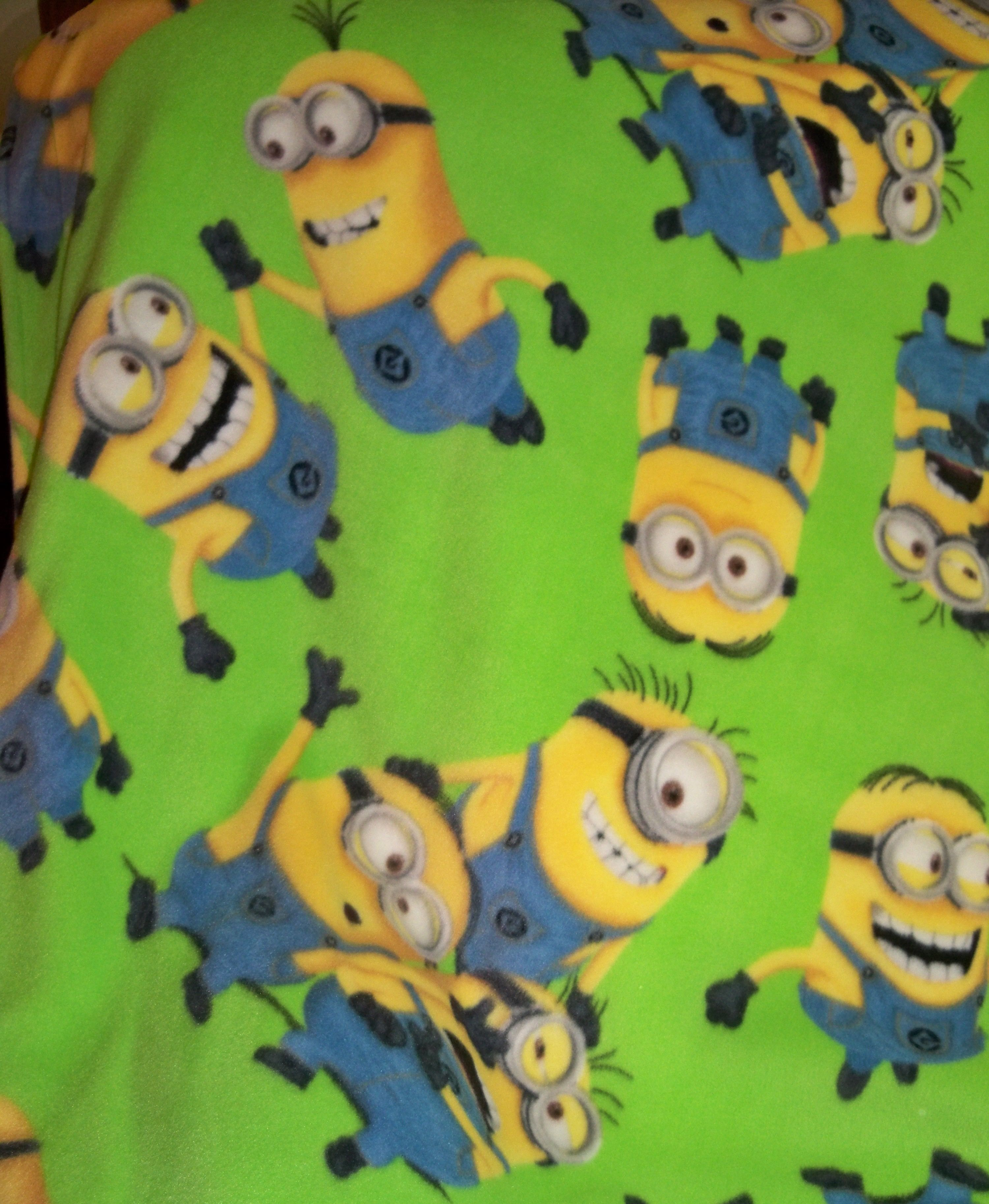 Doublesided minions fleece blanket with lemon yellow on the other