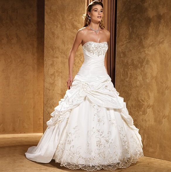 bedazzled sweetheart wedding dress ballroom style