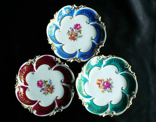 Set of 4 inch JLMENAU Graf von Henneberg Porzellan decorative china plates Made in Germany & Set of 3 4 inch JLMENAU Graf von Henneberg Porzellan decorative ...
