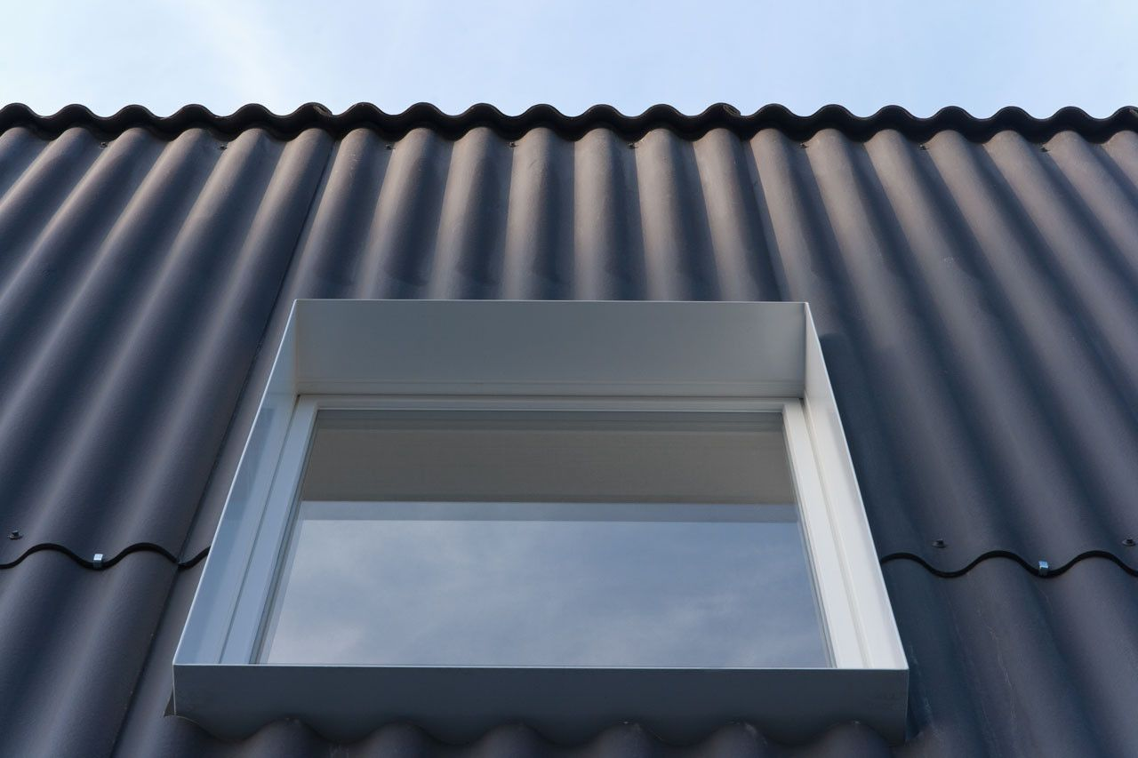 Gallery Of House In Bellmund Exh Design 6 Industrial House Exterior House Cladding Metal Cladding