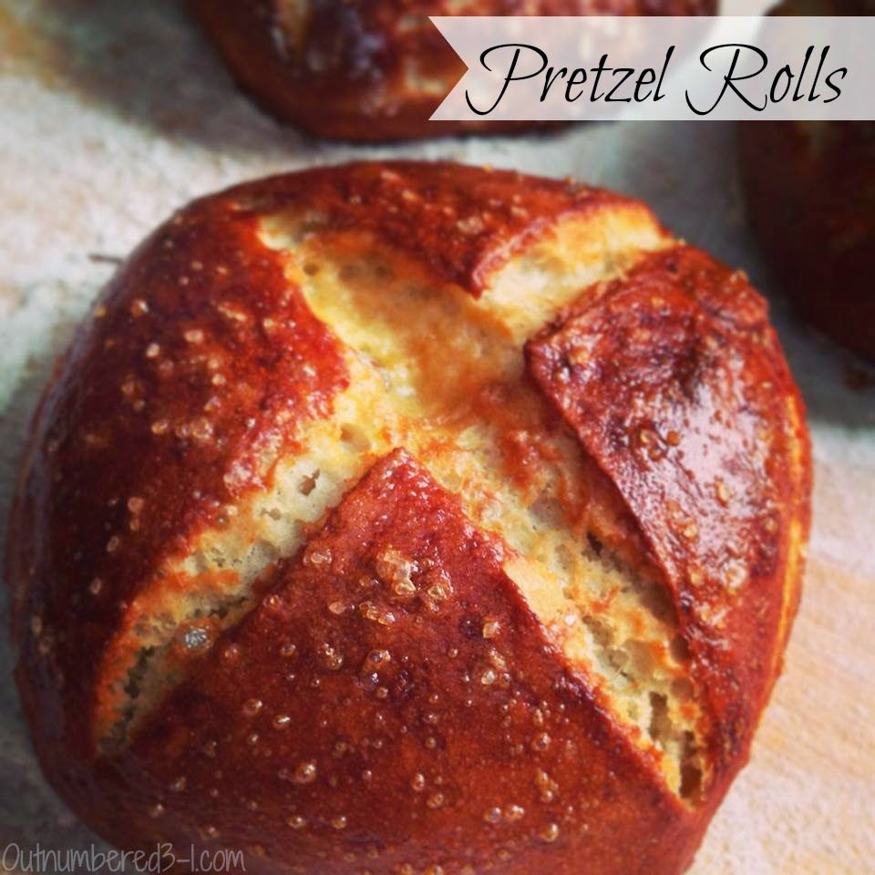 Learn how to make your own homemade Pretzel Rolls #Recipe