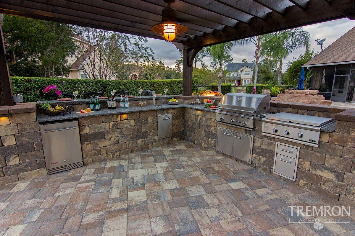 Inspiration Tremron Jacksonville Pavers Retaining Walls Fire Pits Atlanta Miami Orlando T Outdoor Kitchen Design Outdoor Fire Pit Backyard Patio Designs