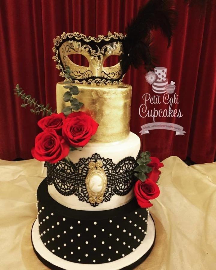 Masquerade Masks Decorations Ideas: Masquerade A La Phantom By Petit Cali Cupcakes