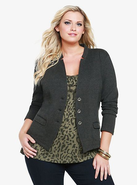 Best Plus Size Options For Women Professionals (With