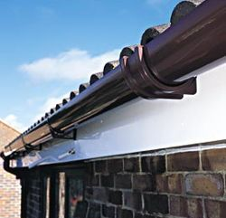 New Half Round Gutter With New Facia Call Scott On 07886113418 Call Billy On 07957949616 Jardines