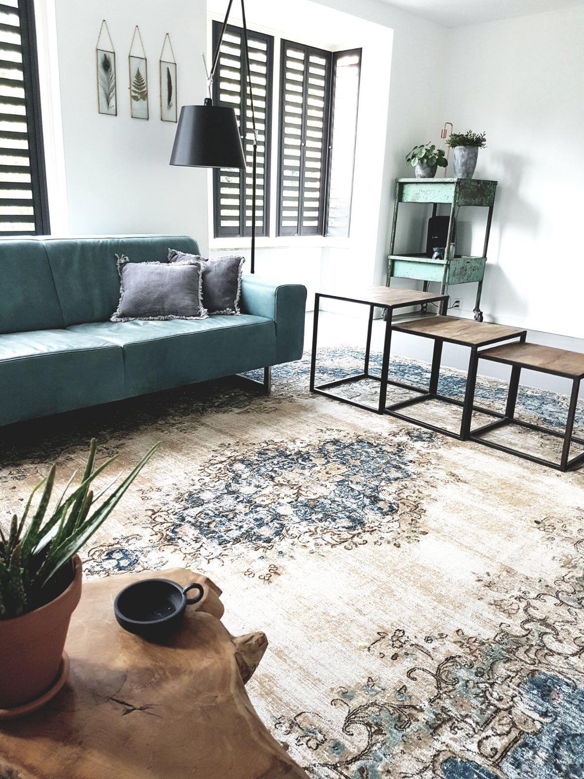Vintage rug in nice interior. Mooi vintage vloerkleed van rozenkelim ...