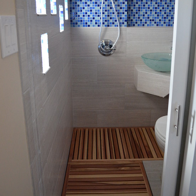 tiny japanese soaking tub. Modern wet bathroom that s just 20 square feet  Teak flooring is a practical and warm choice for this bath From Colorado we found an elegant Thai inspired