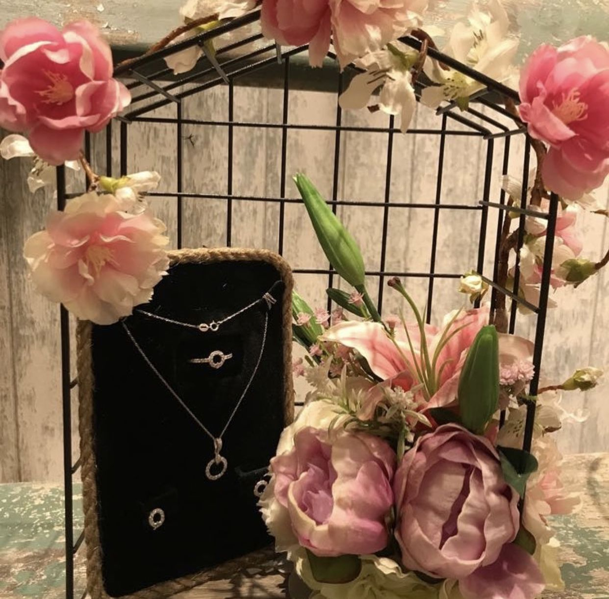 أعمال ديكور بالورد Creative Christmas Gifts Wedding Jewellery Boxes Wedding Boxes