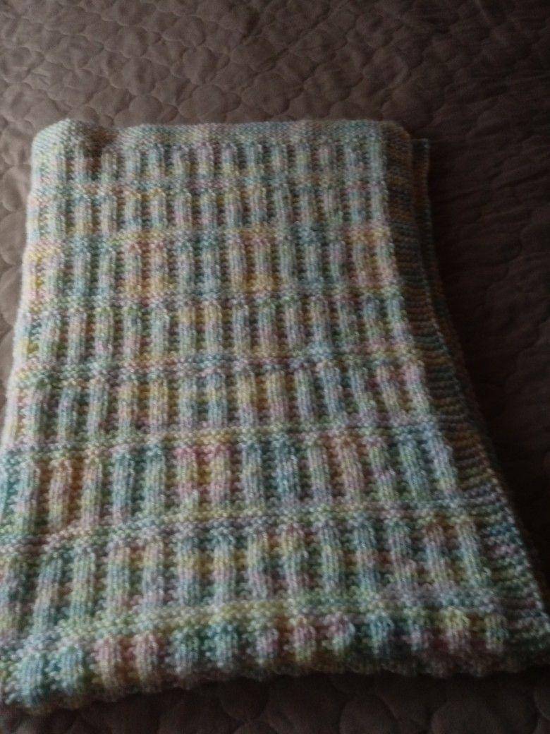 Made with Yarnspiration varigated yarn. Size 6 straight