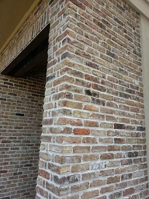 Reclaimed Old Chicago Brick Accents On