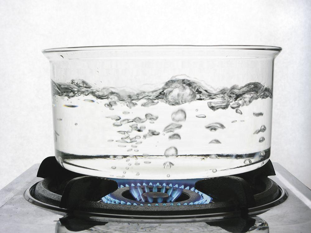 Kochendes Wasser Direkt Aus Dem Wasserhahn Wasserhahn Hahnchen Und Kuche