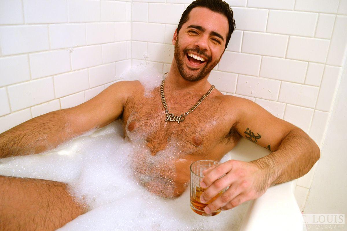Hot Guy In Tub 9 (1200×800)