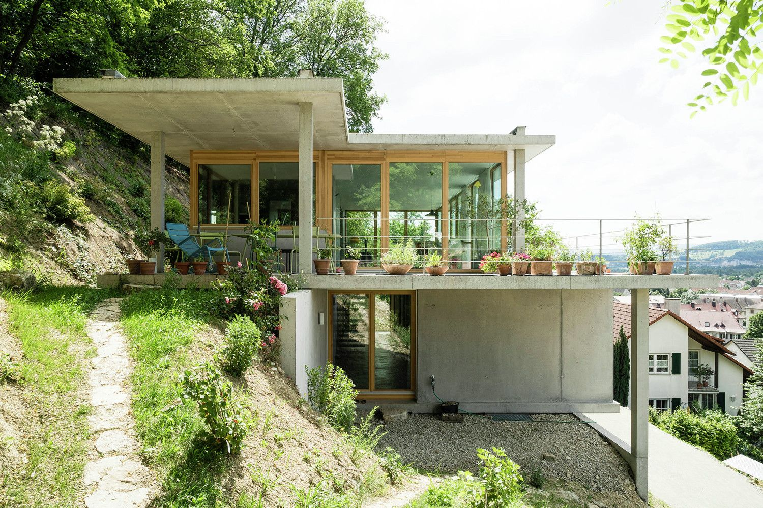 Gallery Of House On A Slope Gian Salis Architect 1 Houses On