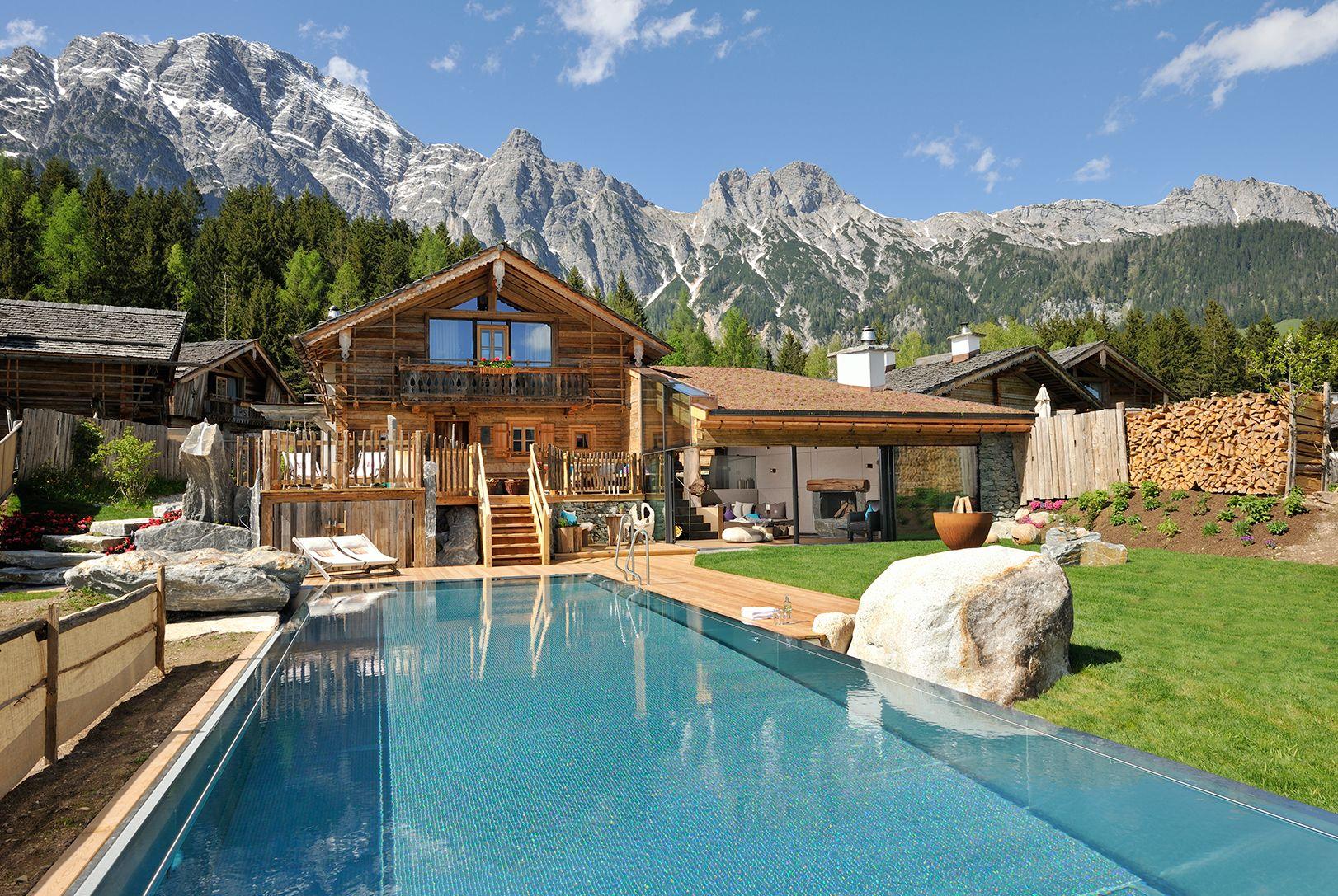 the alpine living spot in leogang austria bergdorf priesteregg visit and enjoy luxury alpine. Black Bedroom Furniture Sets. Home Design Ideas