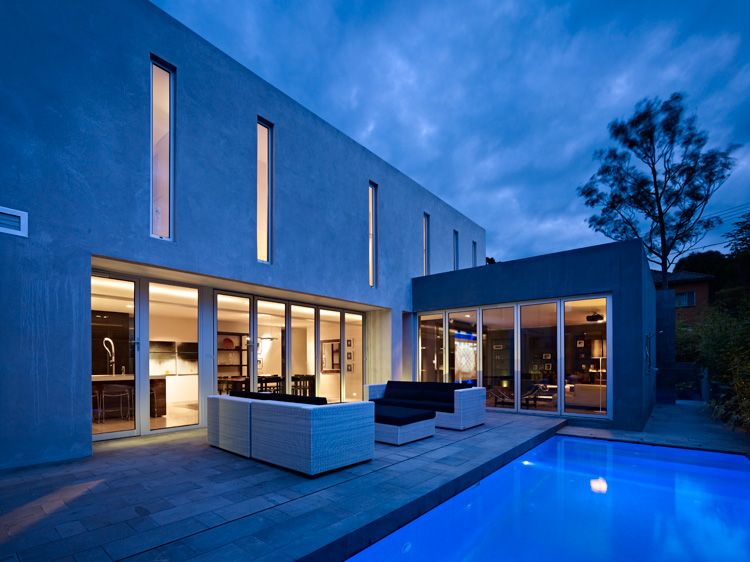 Karlusic Residence by Hirsch Bedner Associates Contemporary home