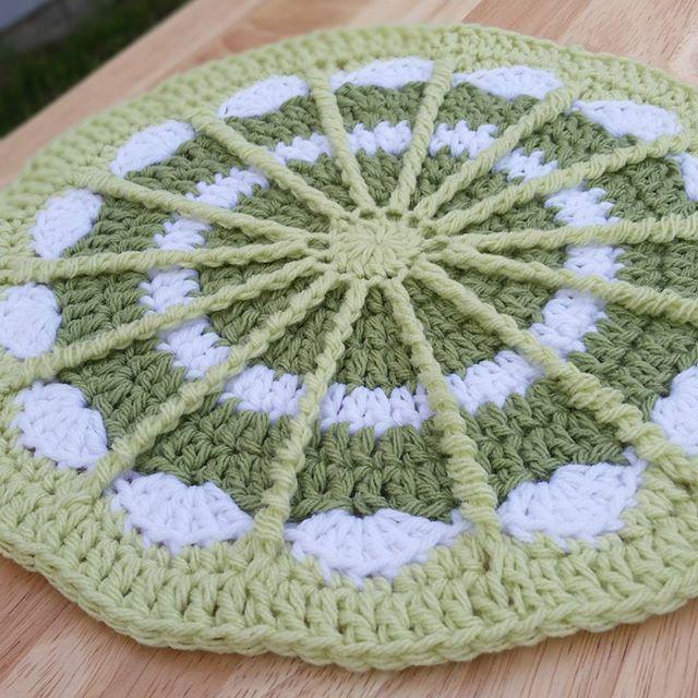 thegirllovesyarn crochet mandala | Ganchillo | Pinterest | Mandalas ...