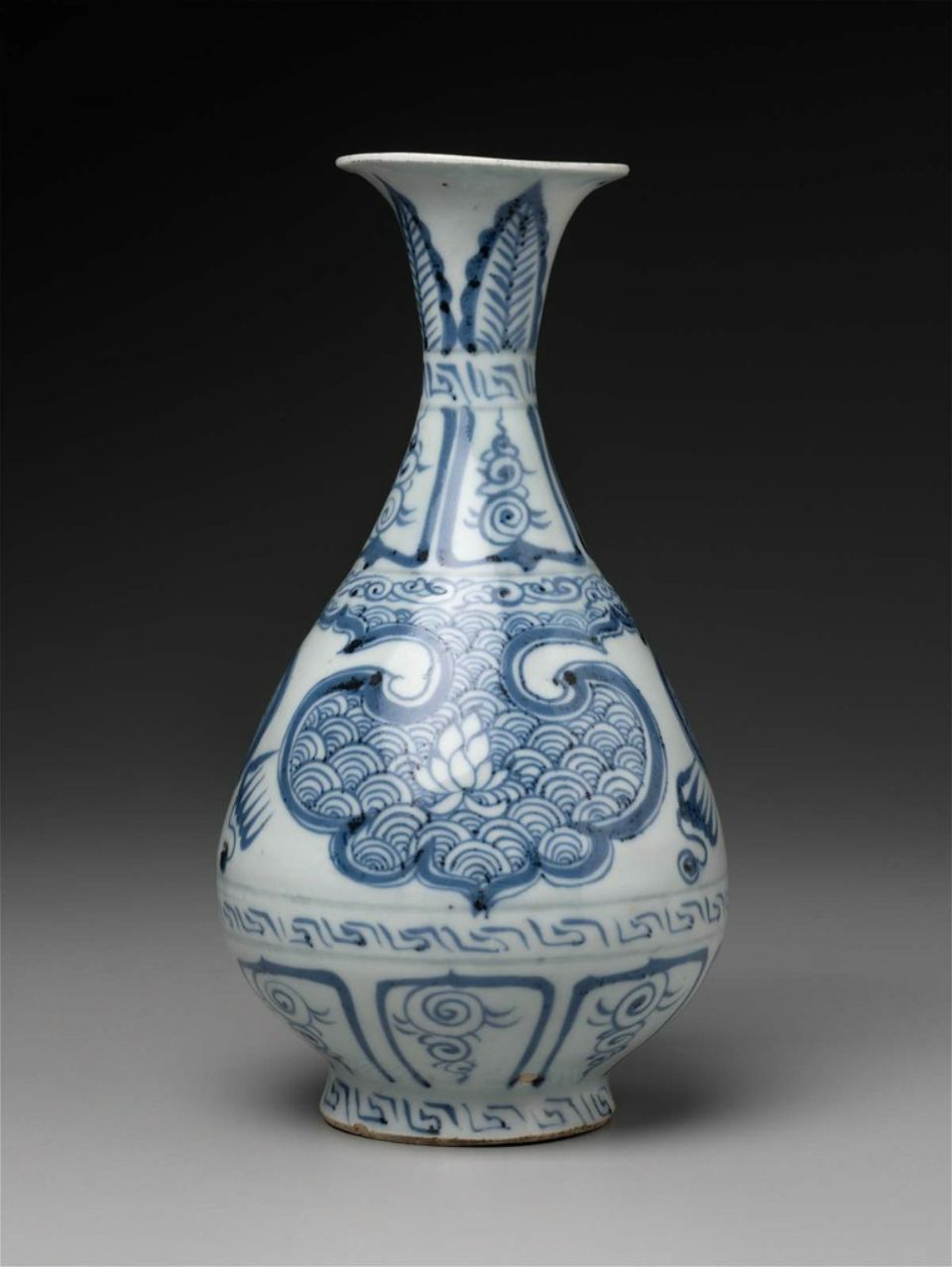 Yuhuchunping Shaped Vase Decorated With Leaves Amid Waves In Ruyi Shaped Windows Chinese Yuan Dynasty 14th Century Chinese Antiques Chinese Vase Blue China