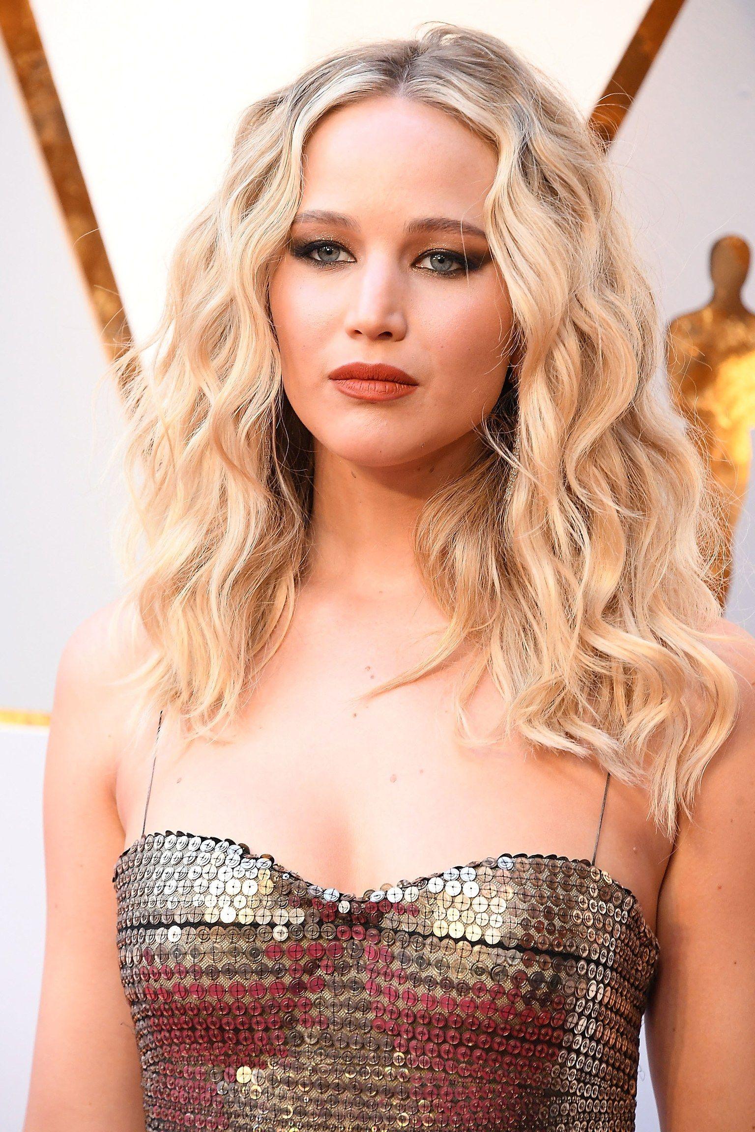 Tendenze capelli 2020: tagli e colore   Curly hair styles ...