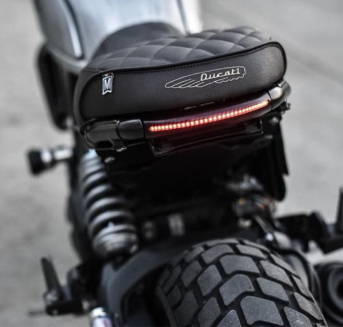 ducati scrambler mods cafe racer custom bikes pinterest moto accessoire moto et aventure. Black Bedroom Furniture Sets. Home Design Ideas