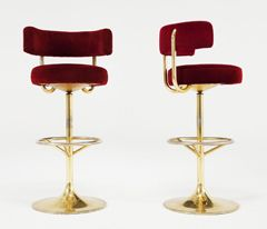 Set Of 7 Brass And Red Velvet Barstools 1stdibs Com Red Velvet Bars Bar Stools Bar Stool Chairs