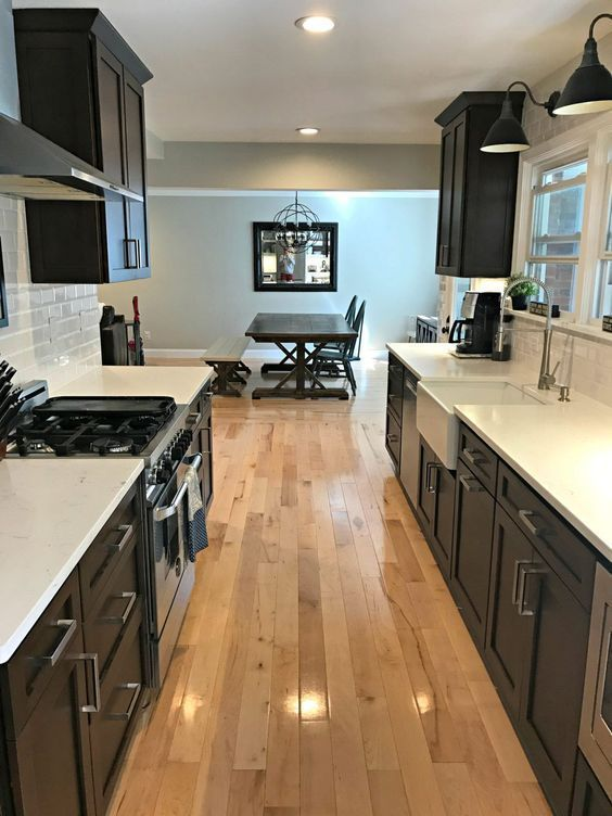 29 Awesome Galley Kitchen Remodel Ideas (A Guide to Makeover Your Kitchen) #onabudget #small #beforeandafter #fixerupper #ideas #narrow #layout #joannagaines #open #island #opengalleykitchen