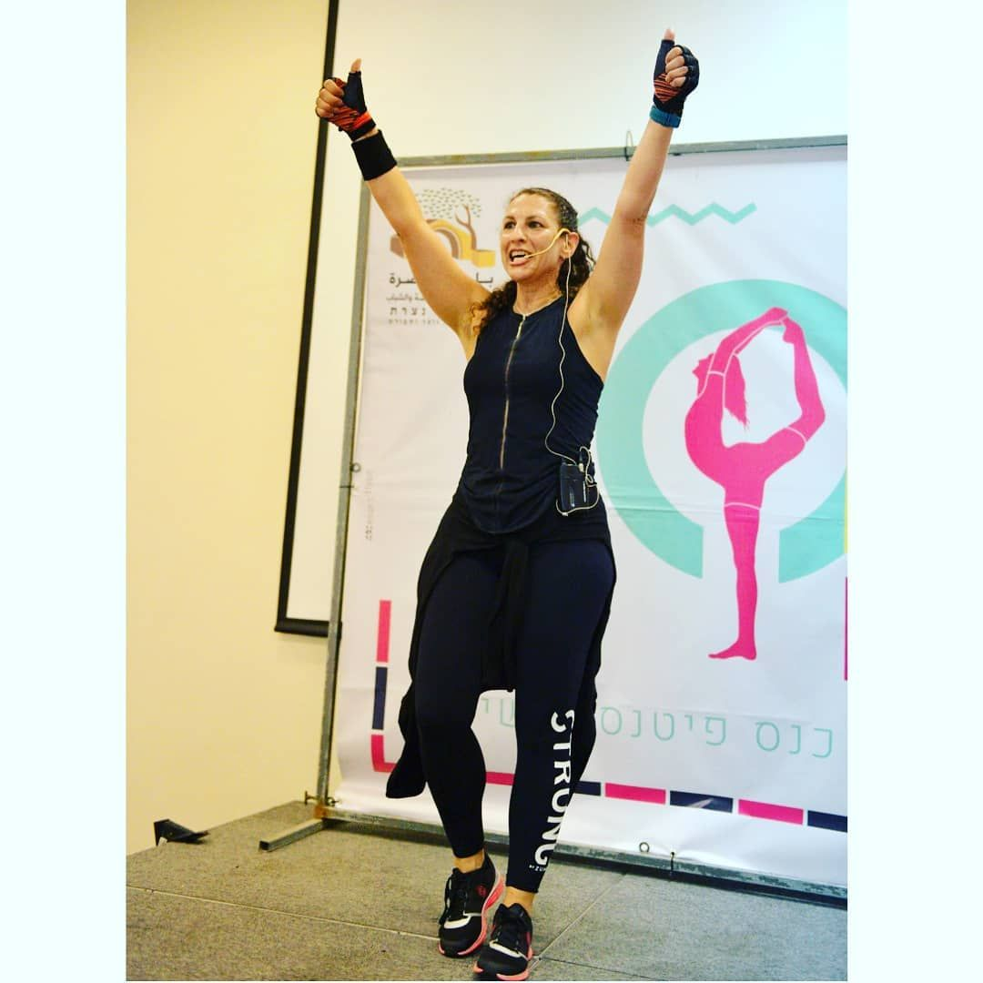 Encourage your people!!! They need it. They deserve it!! 💪👏💪 On  @fitnaz.convention the #women #fitn...