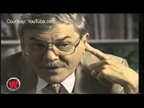 Atheist professor destroys evolution - YouTube