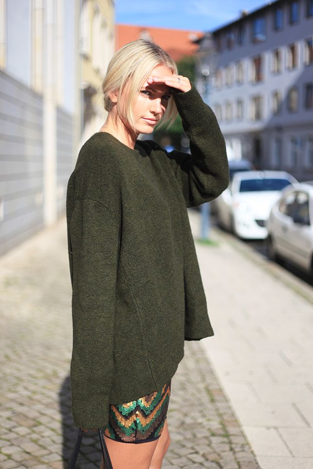 Look: Sequins and Oversized Knit