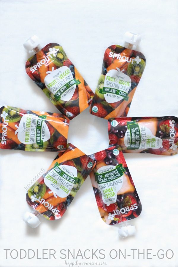Grab and go toddler snacks that have a full serving a fruit! #sproutfoods
