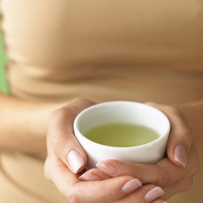 Beneficios y contras de las cápsulas de té verde para quemar