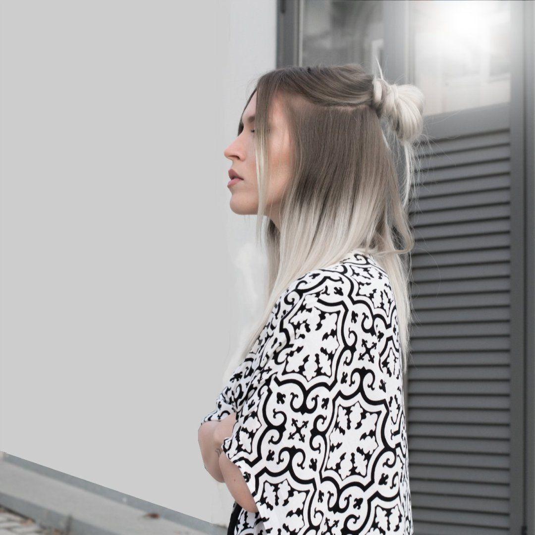 Mosaic print kimono half top knot