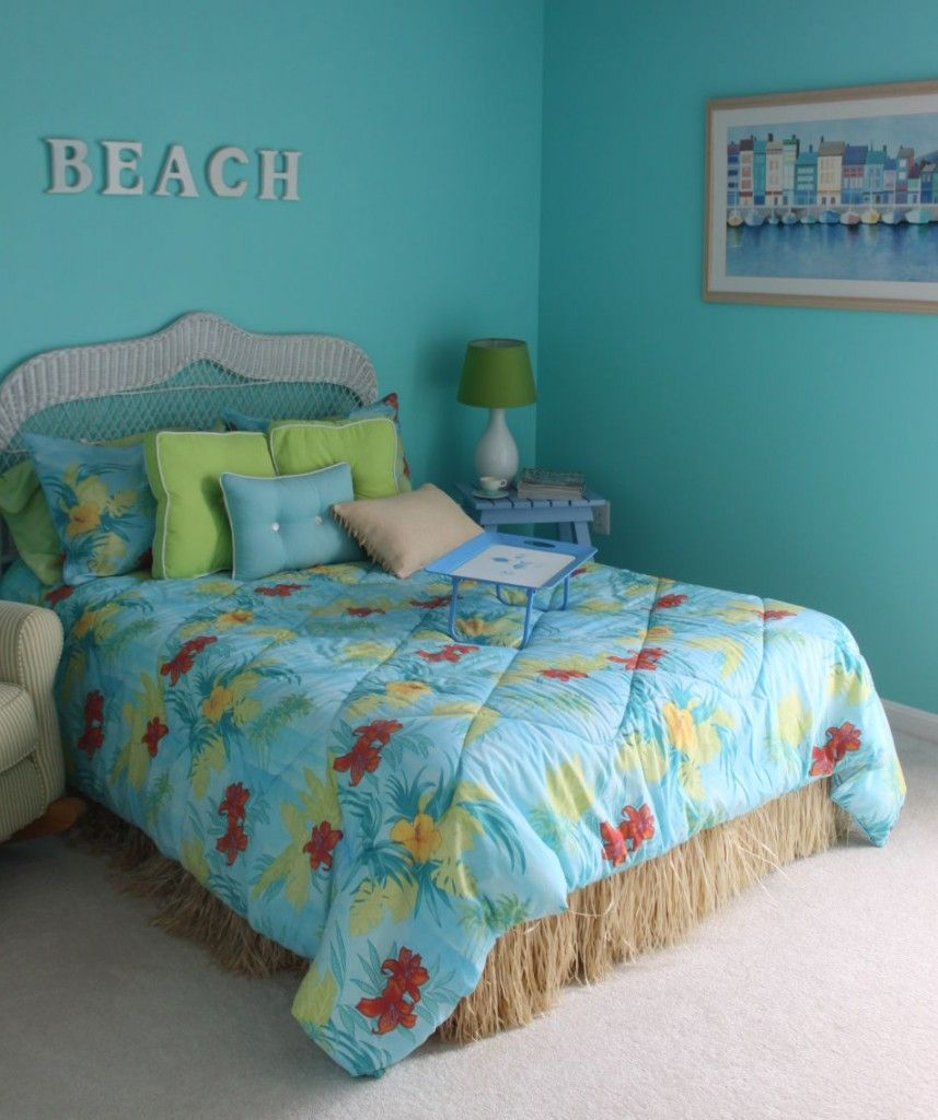 Beach Bedroom: Lovely Teenage Girl Beach Theme Bedroom Designs Ideas. Calm  Luxurious Bedroom Opens To Pool.