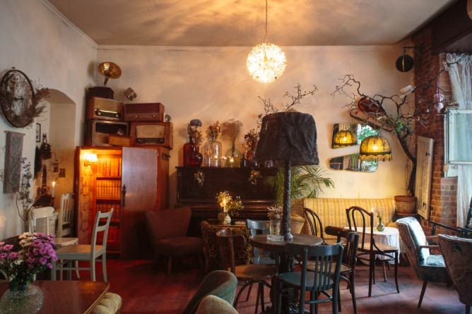 The 10 Best Bars in Kreuzberg, Berlin Bar - cafe wohnzimmer berlin