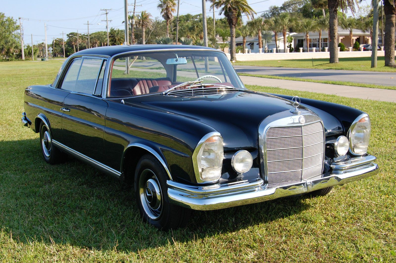 Mercedes Benz 200 Series Stunning Automatic W111 250se Coupe