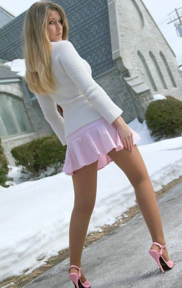 Blonde teen mini skirt
