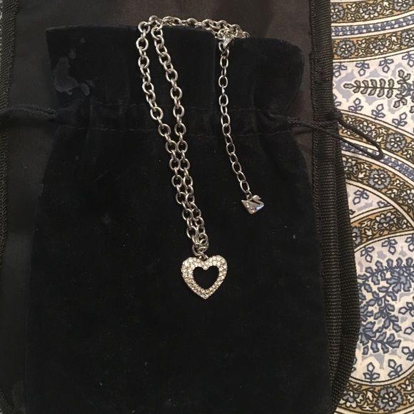 Authentic Swarvoski Crystal necklace Worn a few times great everyday piece!!! Swarovski Jewelry Necklaces