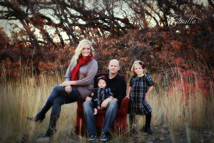 Outdoor family photos ideas family portraits outdoor for Fall family picture ideas outside